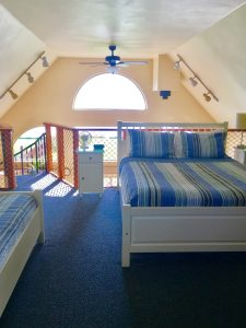 Queen Bed in loft