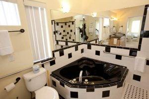 Room 30 bathroom
