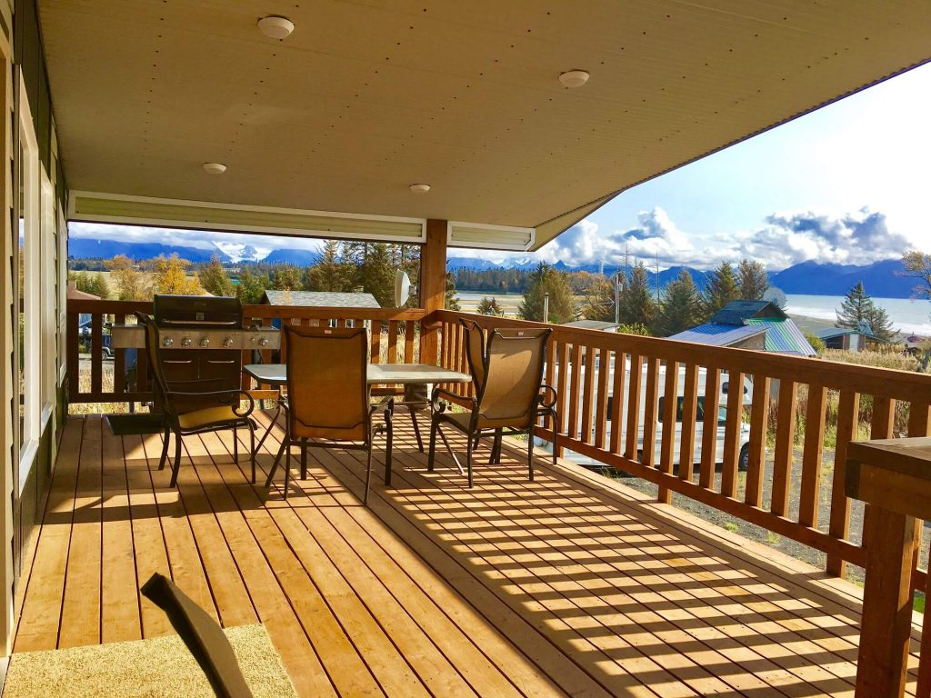 Oldtown Lodge - Front Deck