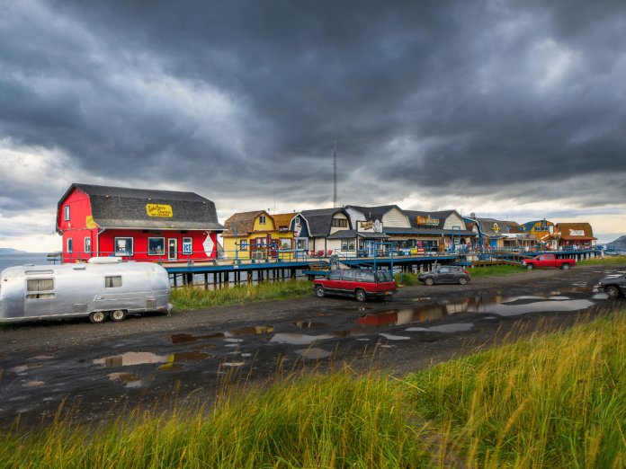 String of cars and businesses in Homer Alaska